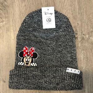 🆕 Neff Disney Minnie Mouse Peeking Beanie